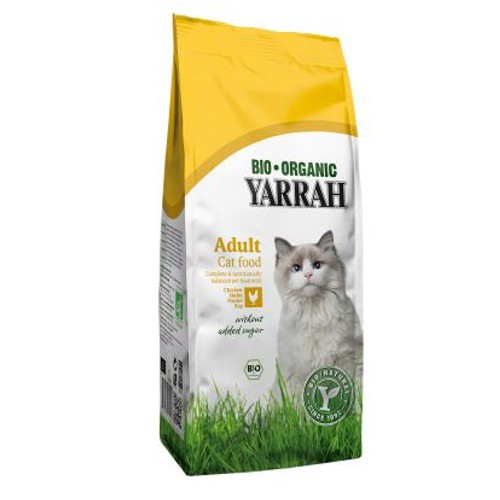 Organig food Yarrah with chicken for cats
