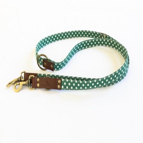 Correa Lola hecha a mano para perros color Verde/Blanco