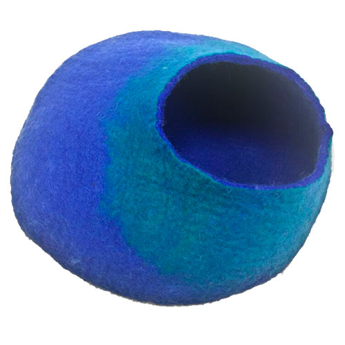 Cat cave of wool hand-made blue and turquoise