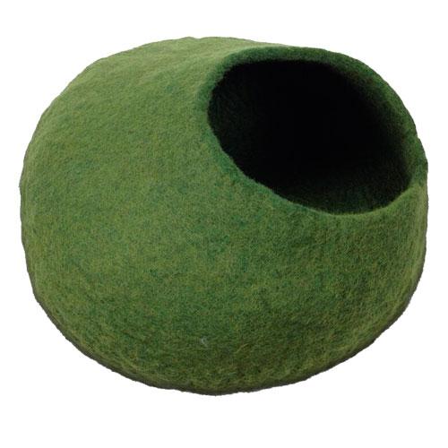 Cueva de lana para gatos hecha a mano verde