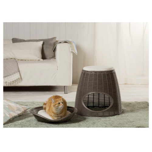 Wicker cave bed for brown cats
