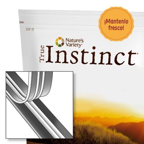 True Instinct Natural & Tasty Cubes Pollo