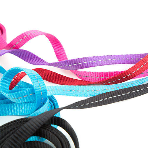 Black leash with reflective thread for dogs By Rogz